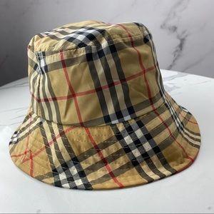 🇯🇵 VINTAGE Burberry bucket hat
